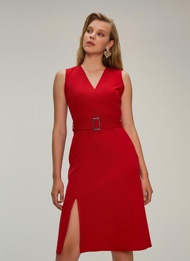 NGSTYLE Kruvaze Kapama Elbise Kırmızı